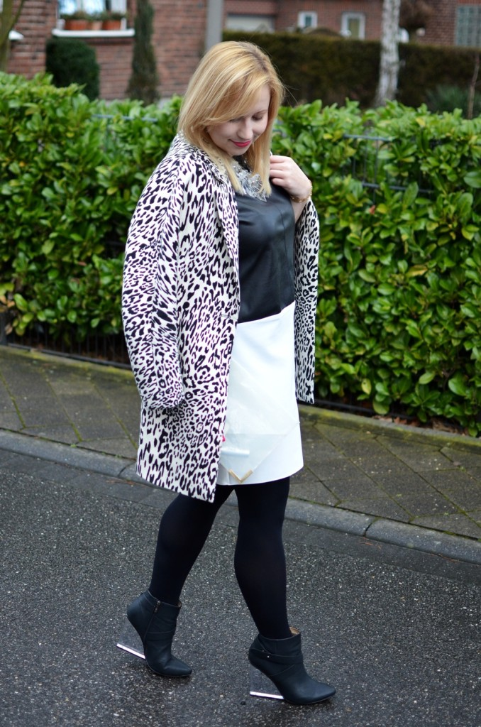 Black White Leather Dress Leopard Transparency Outfit (4)
