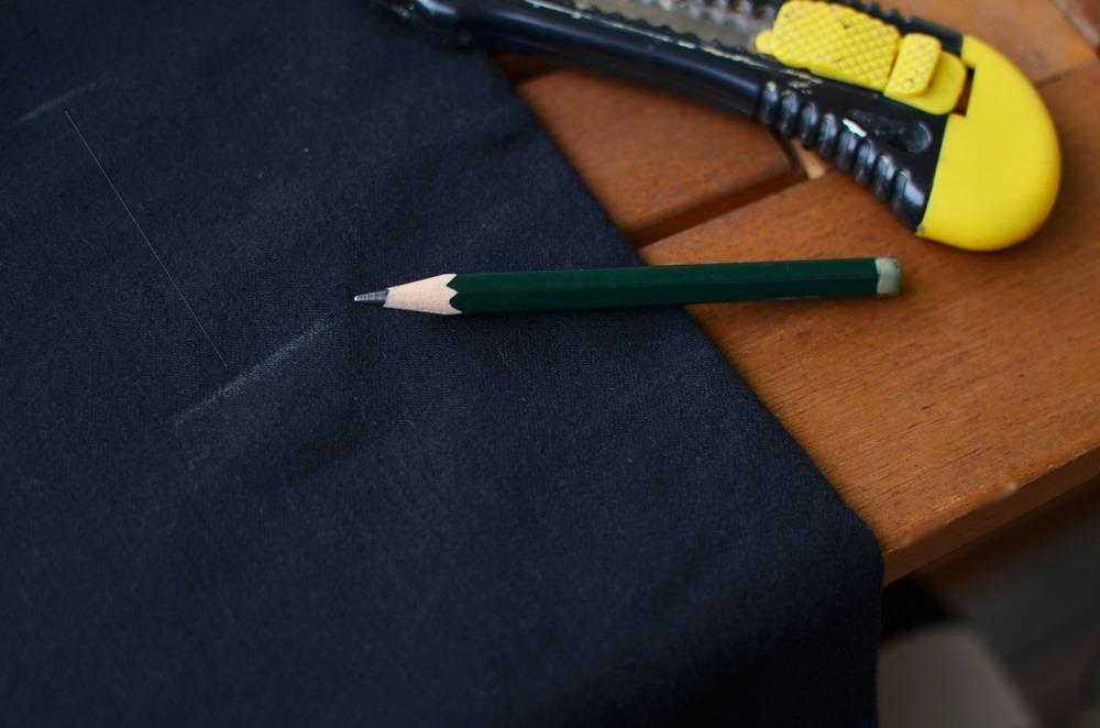 diy-ripped-shredded-jeans-doityourself-destroyed-puppenzirkus-jeans-diy (6)