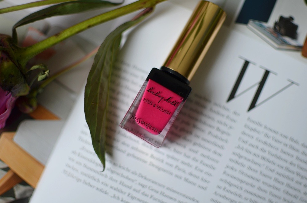 Yves Saint Laurent-Kiss and Blush-Babydoll-Lips and Cheeks-Review-Saint Laurent-Lipstick-Fuchsia-Matte-Pink-Puppenzirkus (4)