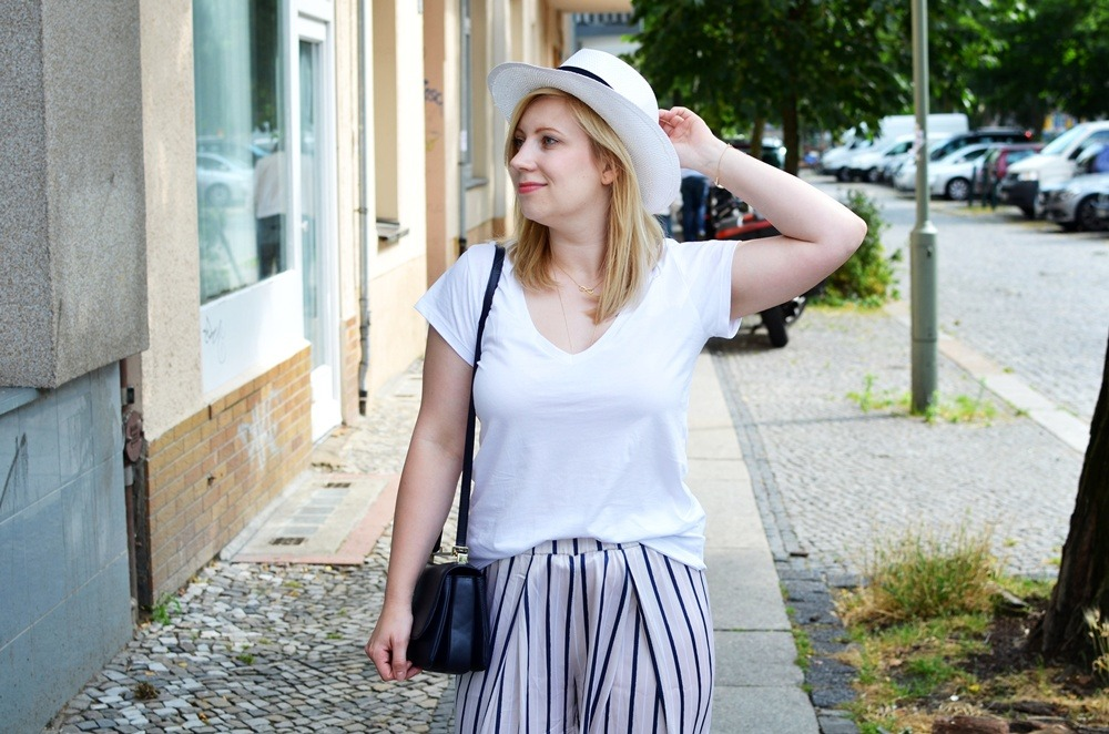 ally-puppenzirkus-look1-day1-bfw-juli2014-ss14-panama-hat-pyjama-pants-outfit (11)