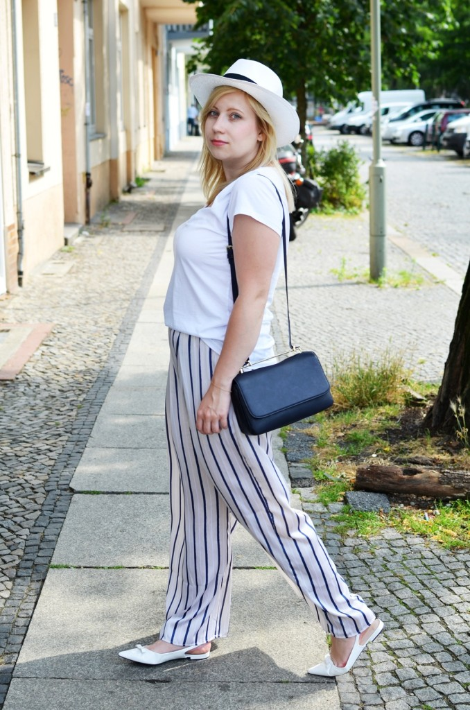 ally-puppenzirkus-look1-day1-bfw-juli2014-ss14-panama-hat-pyjama-pants-outfit (4)