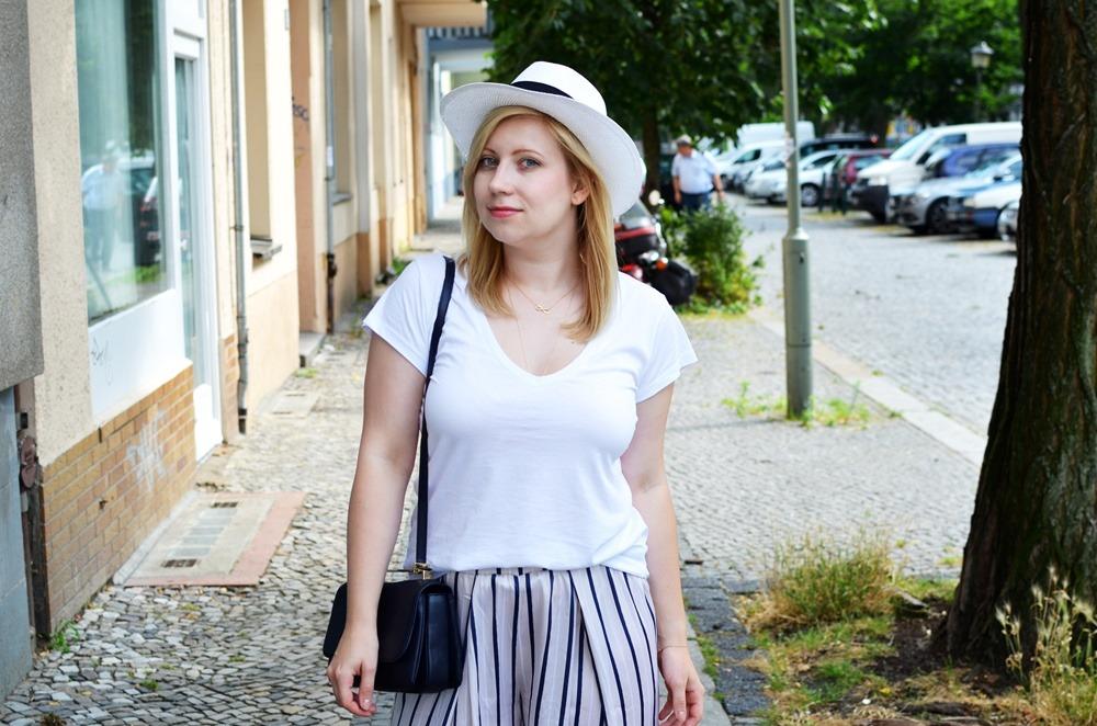 ally-puppenzirkus-look1-day1-bfw-juli2014-ss14-panama-hat-pyjama-pants-outfit (8)