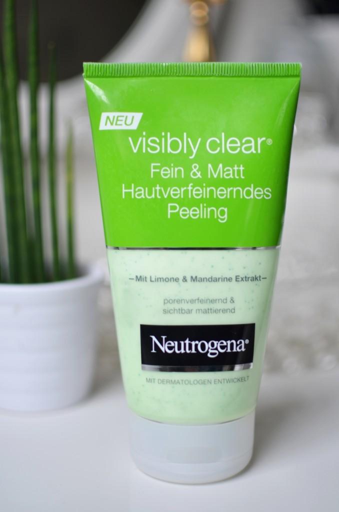 visibly-clear-fein-und-matt-hautverfeinerndes-peeling-mit-limone-und-mandarine-neutrogena-puppenzirkus-review-grün-kosmetik-beauty-gesichtspeeling (2)