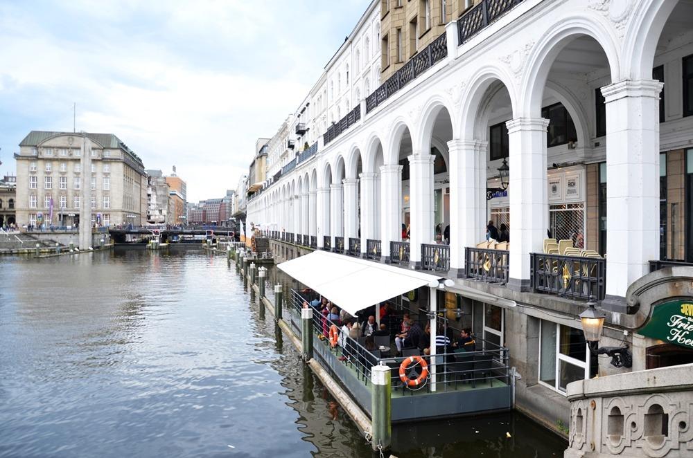 Hamburg-Cityweekend-Sightseeing-Ausflugstipps-Stadt-Hamburg-Tipps-Shopping-Wochenende-puppenzirkus-Ally (25)