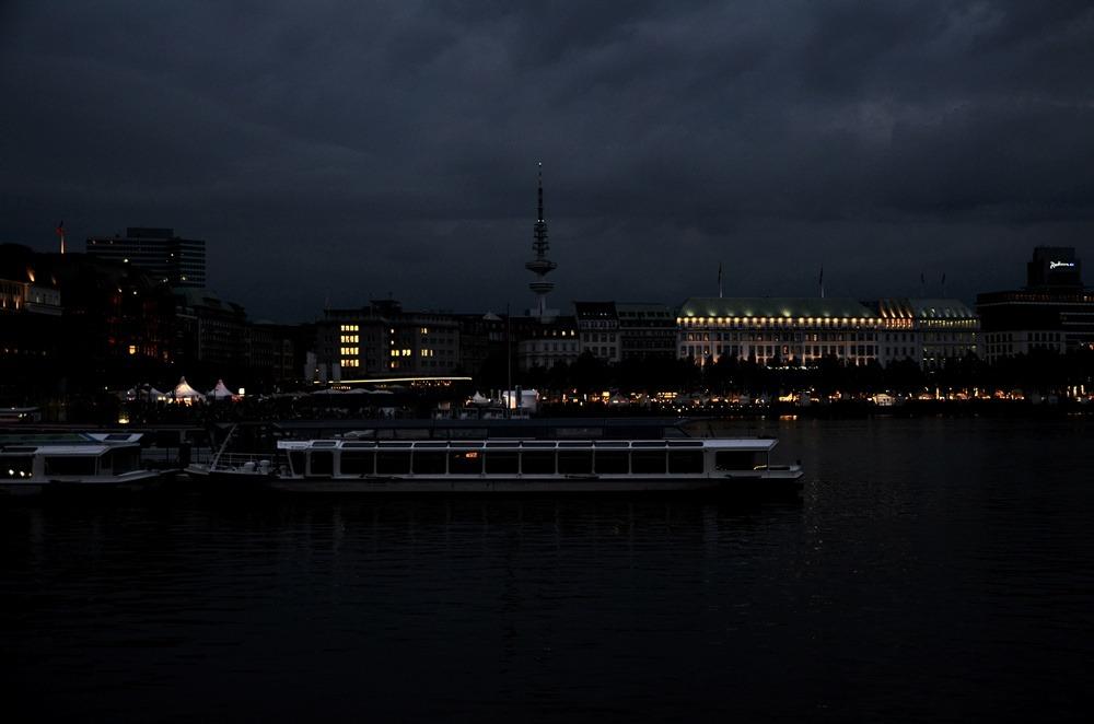 Hamburg-Cityweekend-Sightseeing-Ausflugstipps-Stadt-Hamburg-Tipps-Shopping-Wochenende-puppenzirkus-Ally (7)