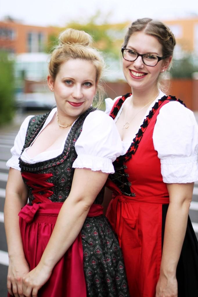 Wiesn-2014-Ally-Dirndl-Trachten-Oktoberfest-Style-Wiesnlook-Hallhuber-Seide-O (8)