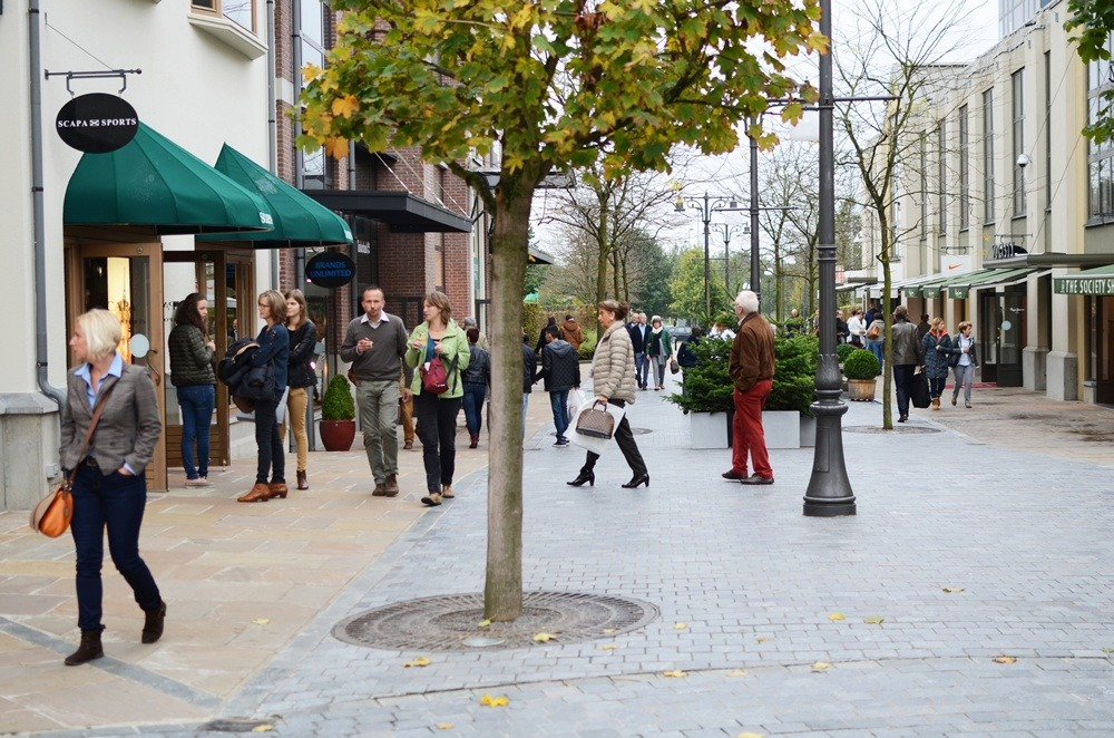 maasmechelen-outlet-belgien-shopping-outletshopping-chic-outlets-belgium-puppenzirkus (9)