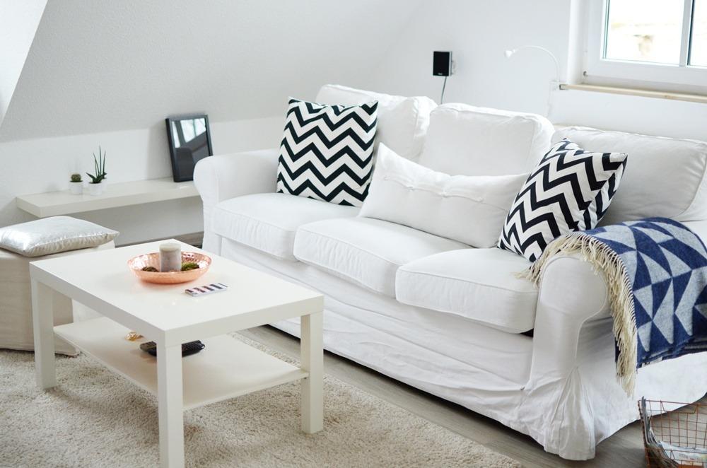 living-room-skandinavisch-stil-wohnzimmer-interior-copper-white-kaktus-cozy-plaid-sofa-ektorp-ikea-diy-selfmade-puppenzirkus-homestory