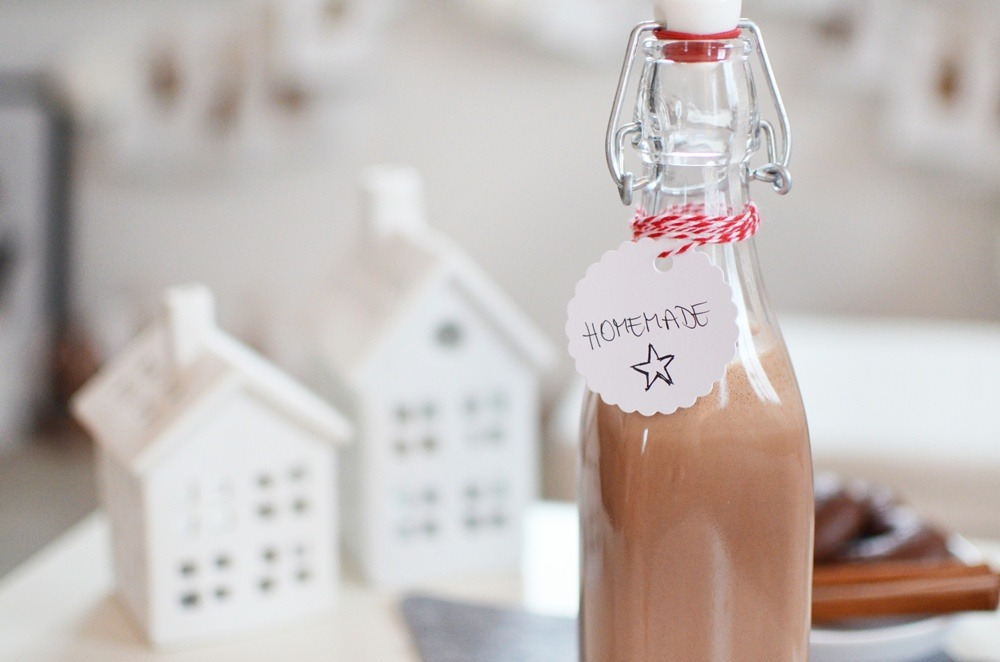 Selbstgemachter-Lebkuchenlikör-Homemade-Likör-Selbstgemachtes-Geschenk-Christmas-Weihnachten-2014-gift-guide (8)