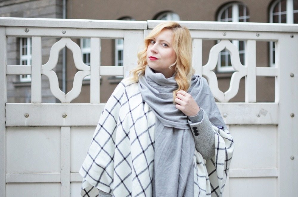 checked-poncho-karo-winter-fashion-outfit-trend-look-cape-puppenzirkus (8)