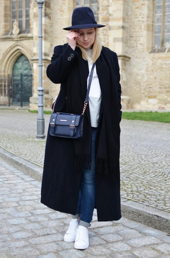 outfit-longcoat-superstars-II-allwhite-adidas-fedora-hat-scarf-wool-acne-winter-januar2015-look-fashionblogger-streetstyle-casual-sporty-fashion-style (4)