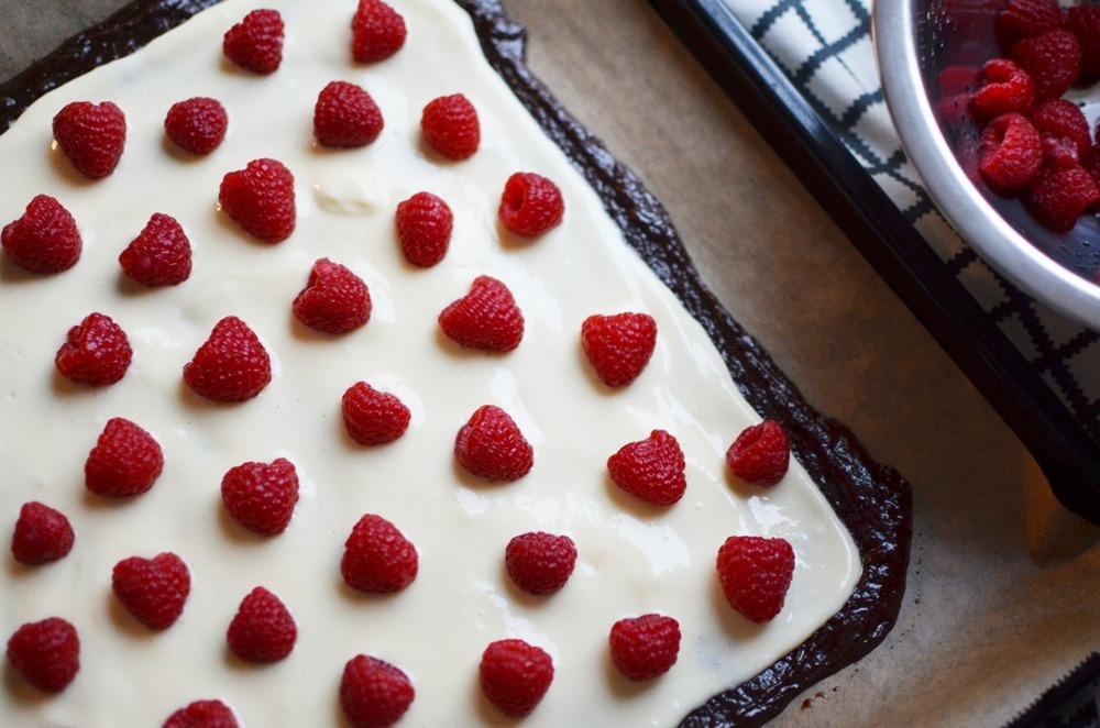 himbeer-brownies-rezept-brownie-receipe-glutenfrei-gluten-free-brownie-valentinstag-kuchen-puppenzirkus (7)