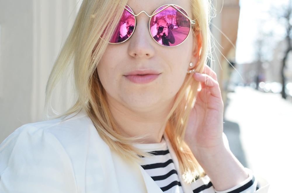festival-city-look-wild-trenchcoat-girl-puppenzirkus-ally-mirrored-glasses-longcoat-lespecs (10)