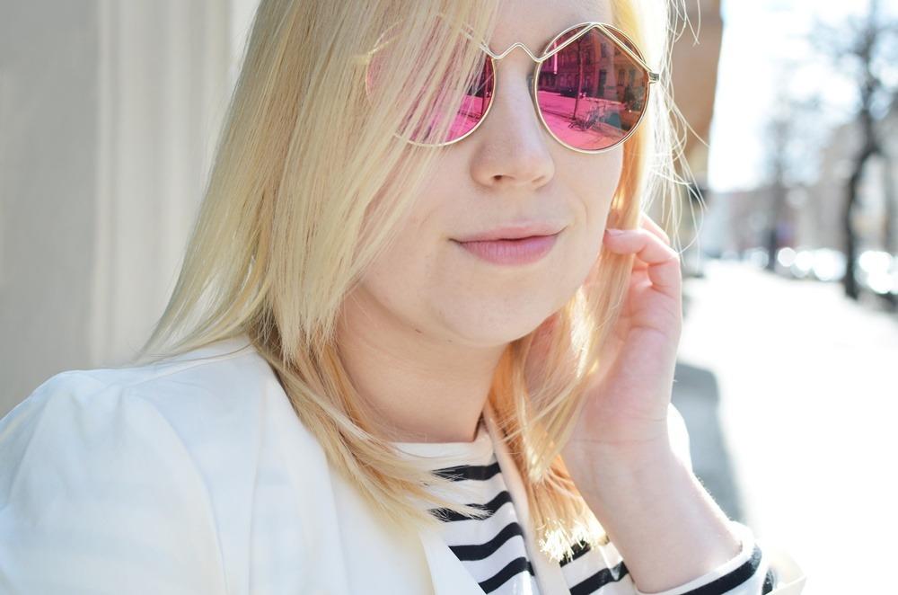 festival-city-look-wild-trenchcoat-girl-puppenzirkus-ally-mirrored-glasses-longcoat-lespecs (11)