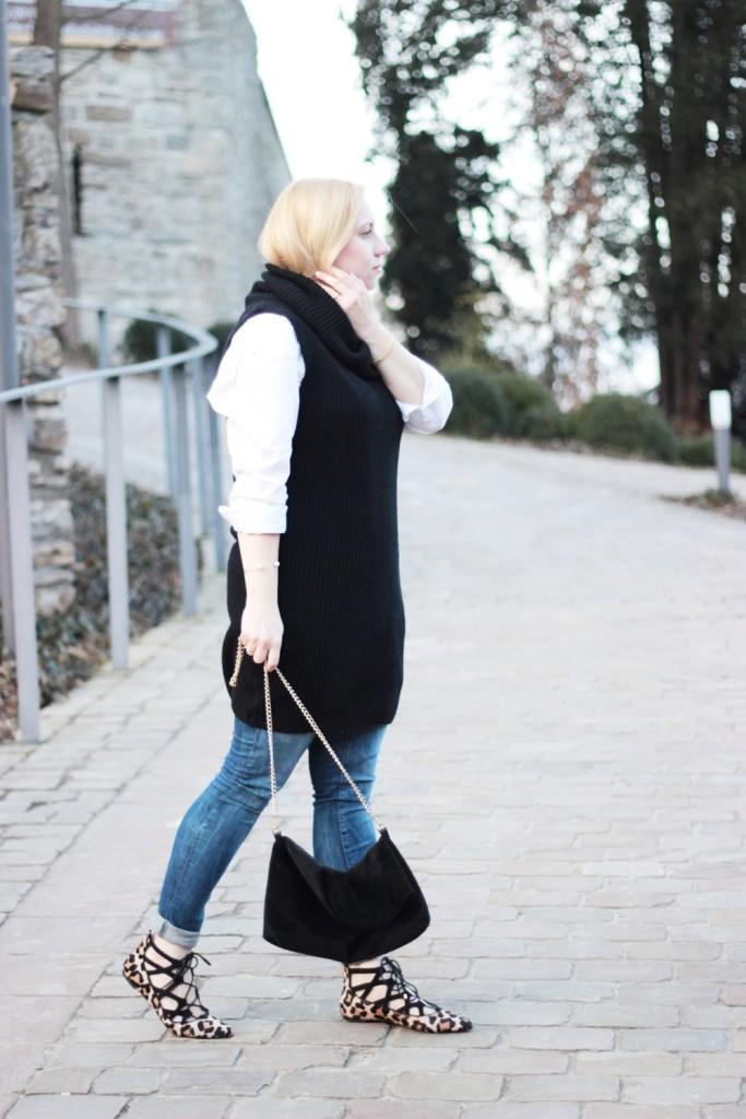 puppenzirkus-leo-office-shoes-lace-aquazurra-lookalikes-pullunder-white-blouse (2)