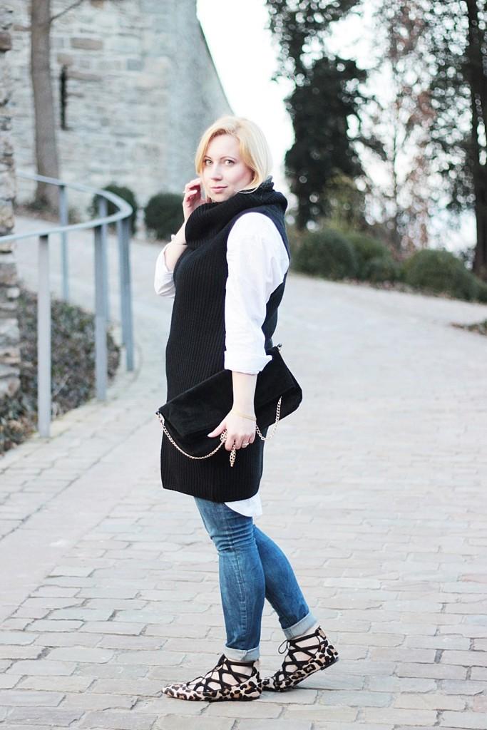 puppenzirkus-leo-office-shoes-lace-aquazurra-lookalikes-pullunder-white-blouse (5)