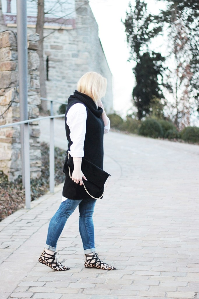 puppenzirkus-leo-office-shoes-lace-aquazurra-lookalikes-pullunder-white-blouse (6)