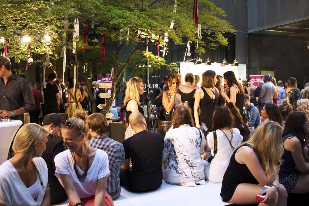 Berlin-Fashion-Week-SS16-Day1-Puppenzirkus-Amorelie-Teatox (11)