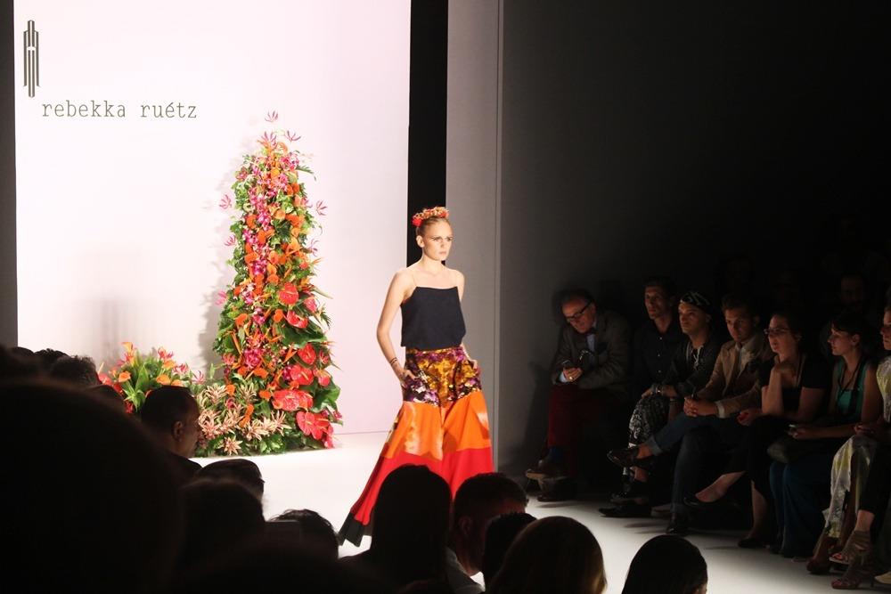 Berlin-Fashion-Week-SS16-Day3-Puppenzirkus-Hien Le-Rebekka Ruétz-holyGhost- Berliner Mode Salon (15)
