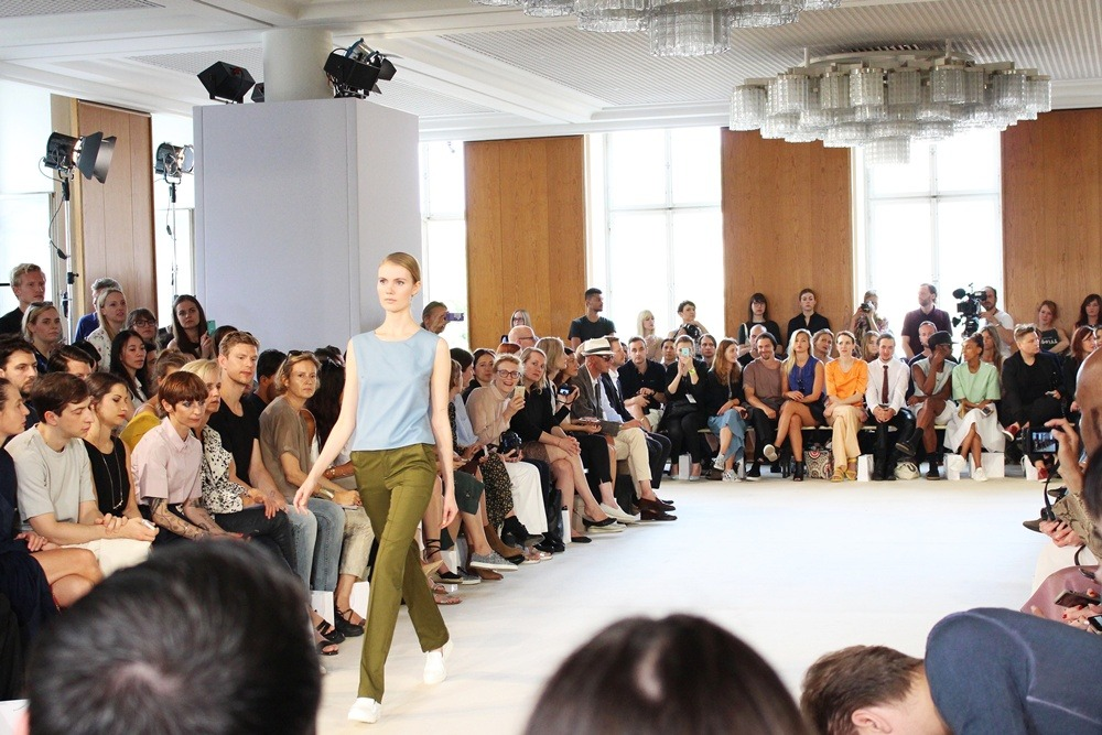 Berlin-Fashion-Week-SS16-Day3-Puppenzirkus-Hien Le-Rebekka Ruétz-holyGhost- Berliner Mode Salon (9)