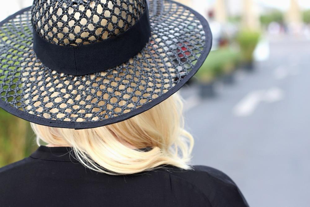 Outfit-Berlin-Fashionweek-SS16-Puppenzirkus-Brandenburger-Tor-Streetstyle-Dress-Sneaker (12)