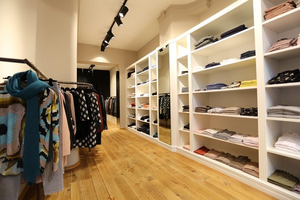 0039Italy_Store_(c)_Claudia Ast