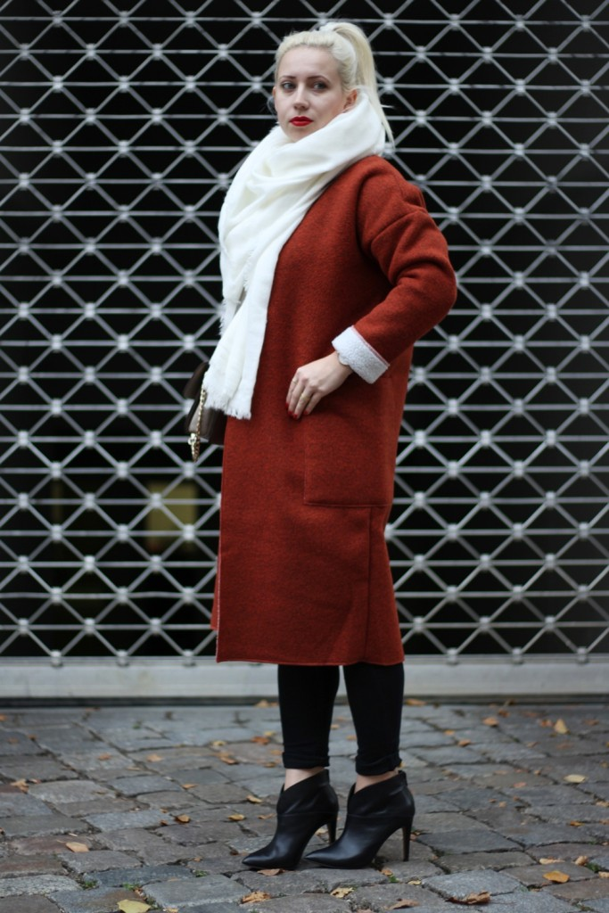 Outfit-Foxy-Coat-Ally-Puppenzirkus-Berlin-Daniel-Wellington-Heels (2)