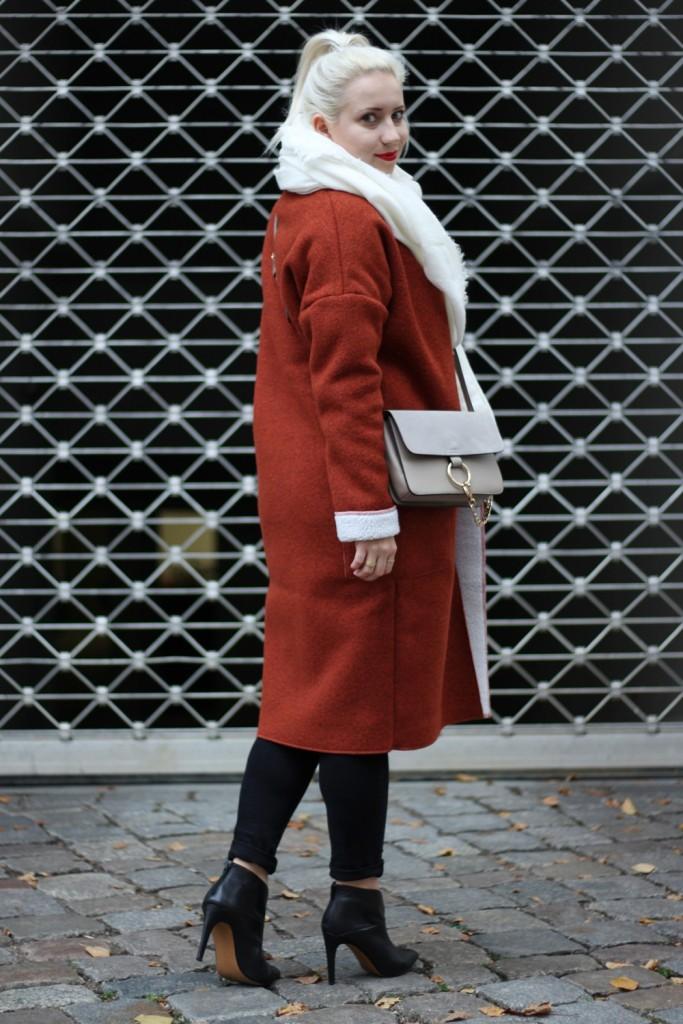 Outfit-Foxy-Coat-Ally-Puppenzirkus-Berlin-Daniel-Wellington-Heels (3)