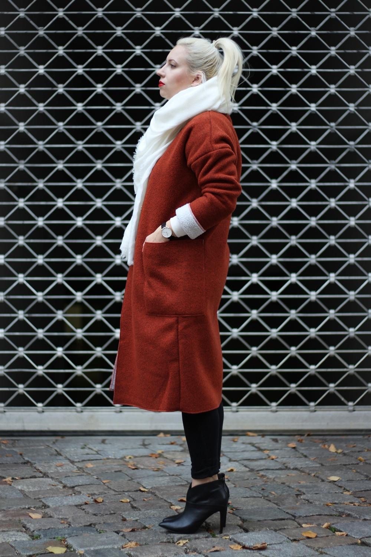 Outfit-Foxy-Coat-Ally-Puppenzirkus-Berlin-Daniel-Wellington-Heels (4)