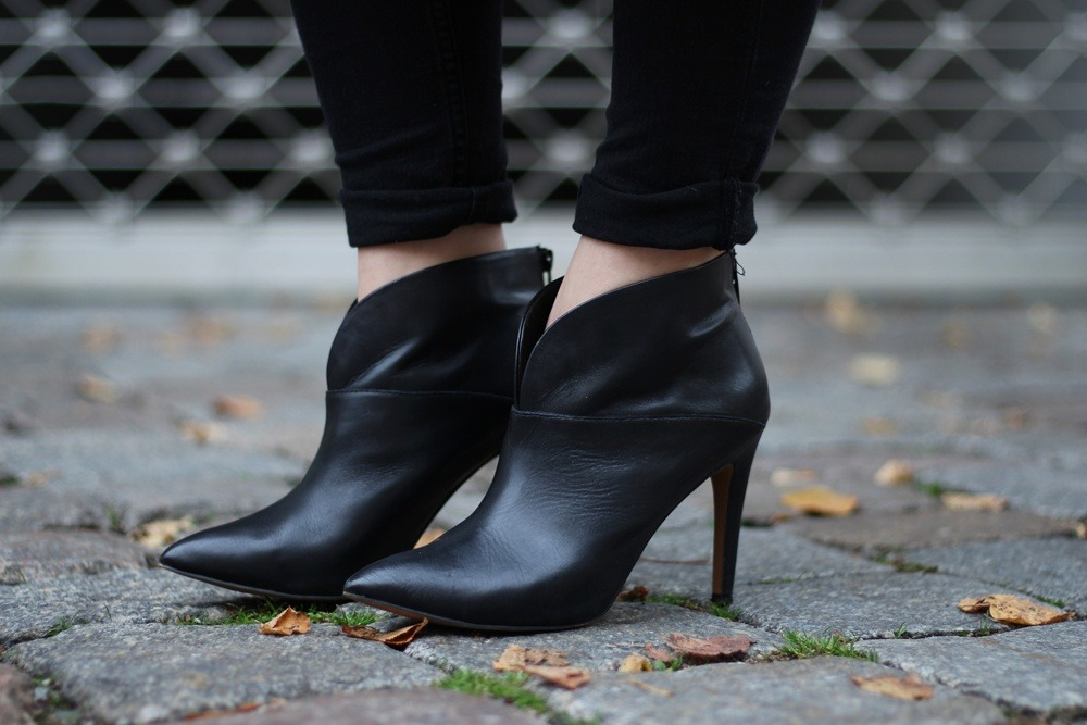 Outfit-Foxy-Coat-Ally-Puppenzirkus-Berlin-Daniel-Wellington-Heels (8)