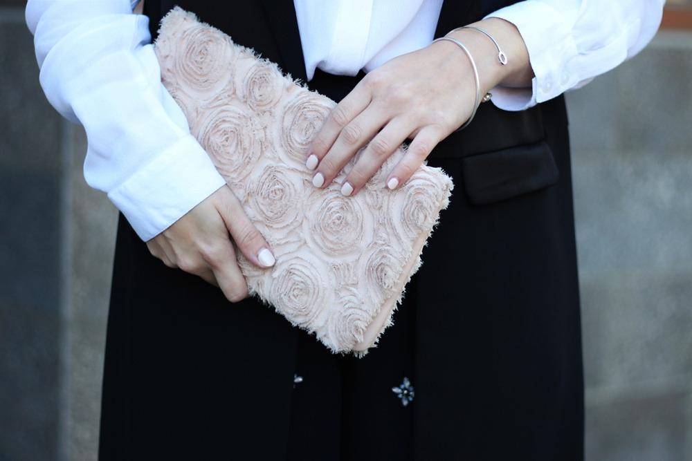 outfit-fashionblogger-autumn-blouse-vest-blazerweste-longvest-hat-fedora-blonde-puppenzirkus-heels-loosepants-glittering-strass (7)