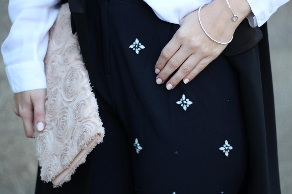 outfit-fashionblogger-autumn-blouse-vest-blazerweste-longvest-hat-fedora-blonde-puppenzirkus-heels-loosepants-glittering-strass (8)