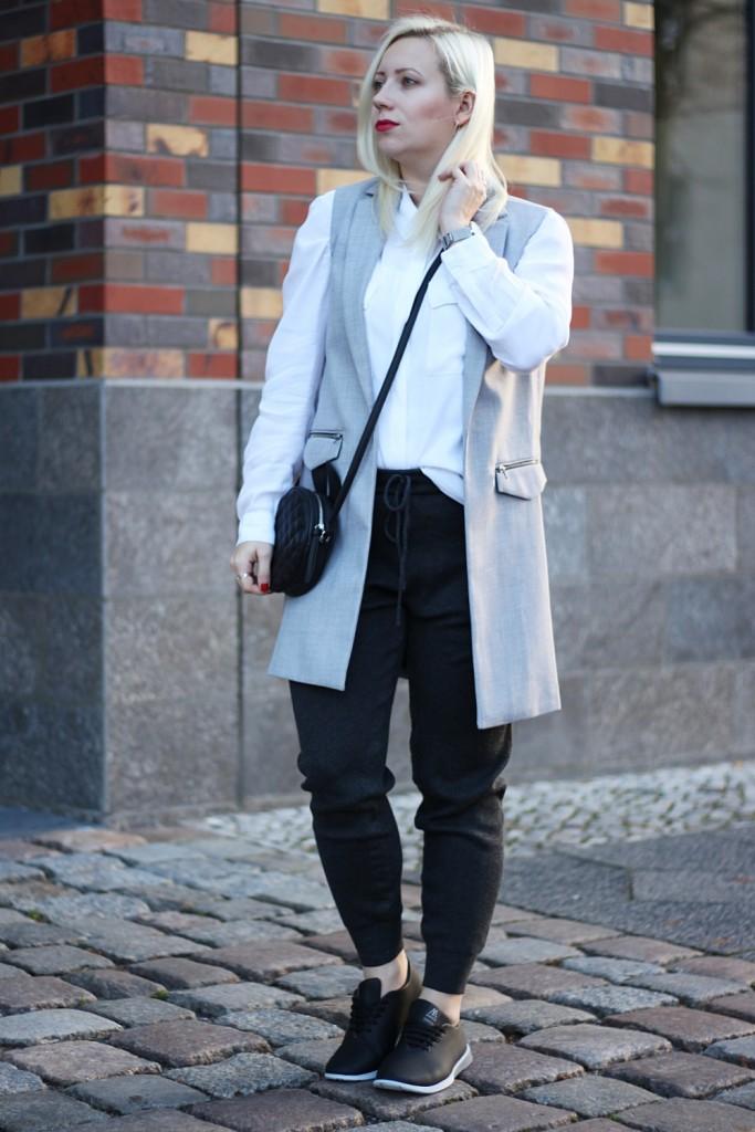 outfit-fashionblogger-muroexe-sneaker-jogpant-ripped-pants-puppenzirkus2