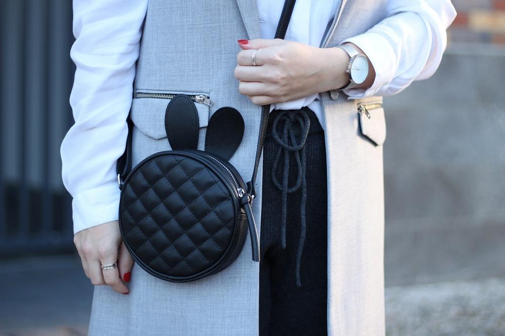 outfit-fashionblogger-muroexe-sneaker-jogpant-ripped-pants-puppenzirkus7