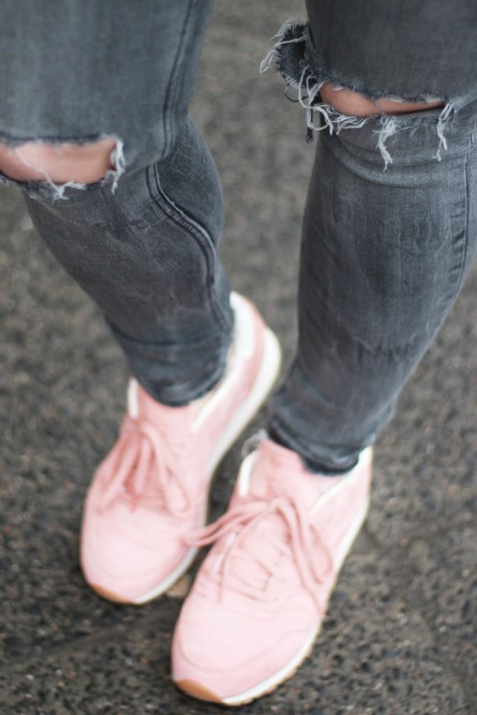 outfit-pantone-rose-quartz-bomberjacke-rosa-reebok-puppenzirkus (6)
