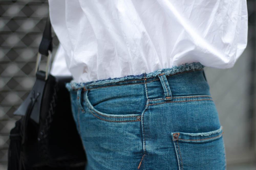 70-ies-Stiefeletten-High-Waist-Jeans-Puppenzirkus-Fashionblogger-Rueschenbluse7