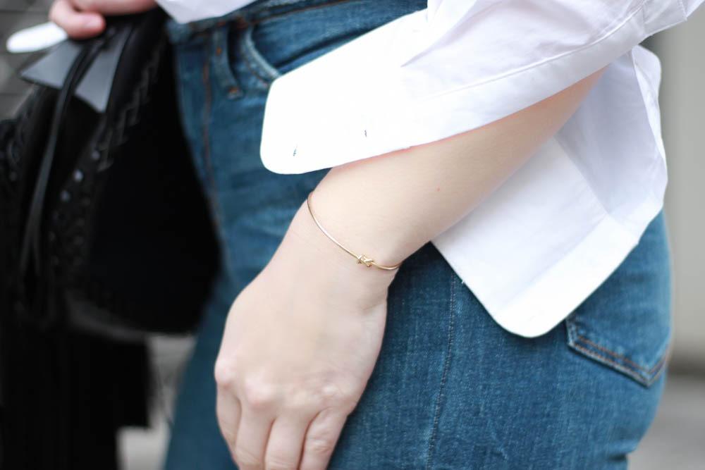70-ies-Stiefeletten-High-Waist-Jeans-Puppenzirkus-Fashionblogger-Rueschenbluse9