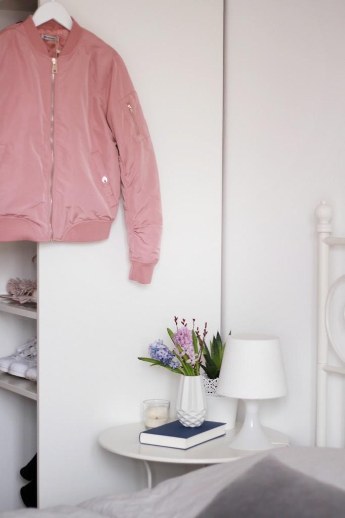 Schlafzimmer und Kleiderschrank einer Modebloggerin Puppenzirkus
