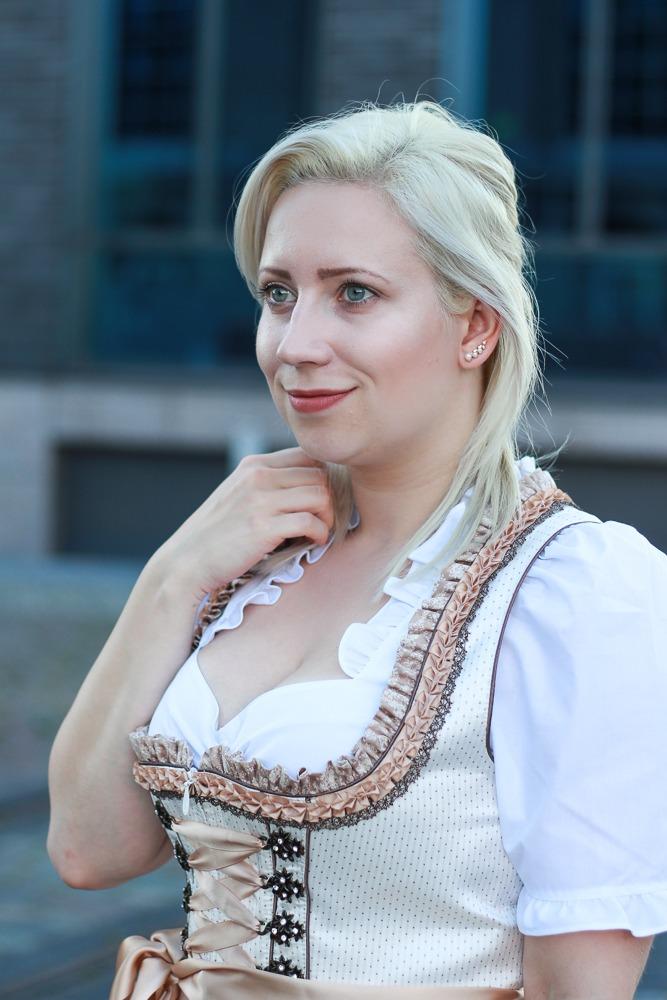 dirndl-outfit-blogger-fashionblogger-2016-oktoberfest-krüger (13 von 19)