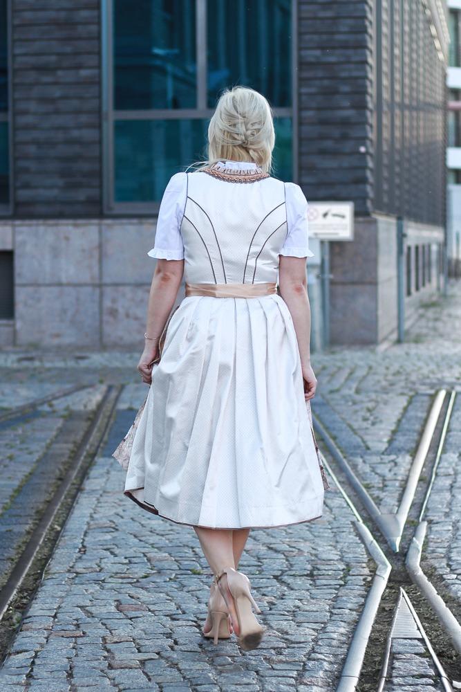 dirndl-outfit-blogger-fashionblogger-2016-oktoberfest-krüger (19 von 19)