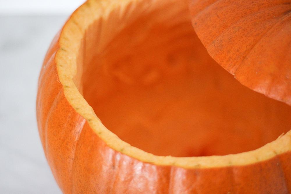 Kürbislaterne-Schnitzkürbis-Kürbis-Leuchte-Halloween-DIY2