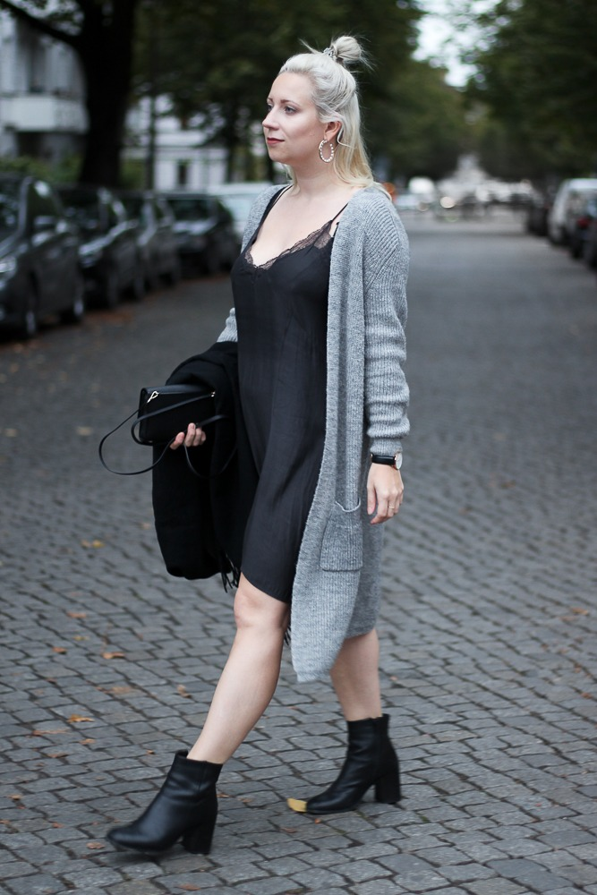 Slipdress-Silkdress-Blogger-Herbstlook-Outfit-Puppenzirkus12