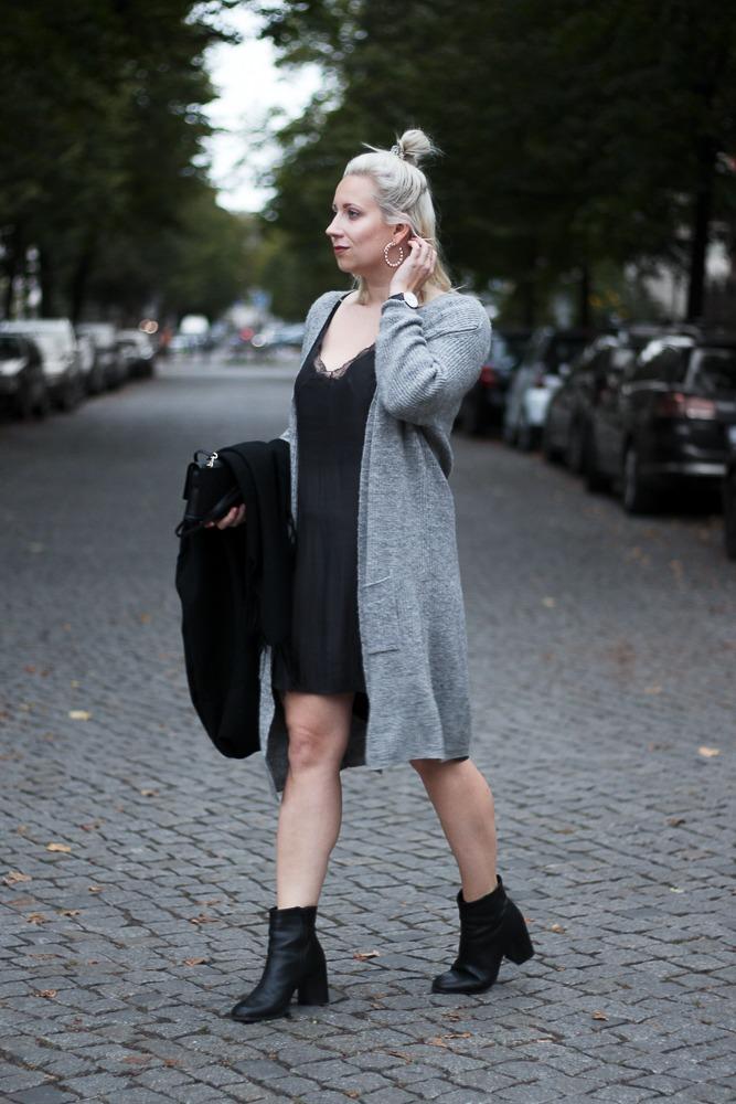 Slipdress-Silkdress-Blogger-Herbstlook-Outfit-Puppenzirkus14