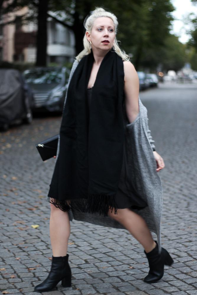 Slipdress-Silkdress-Blogger-Herbstlook-Outfit-Puppenzirkus4