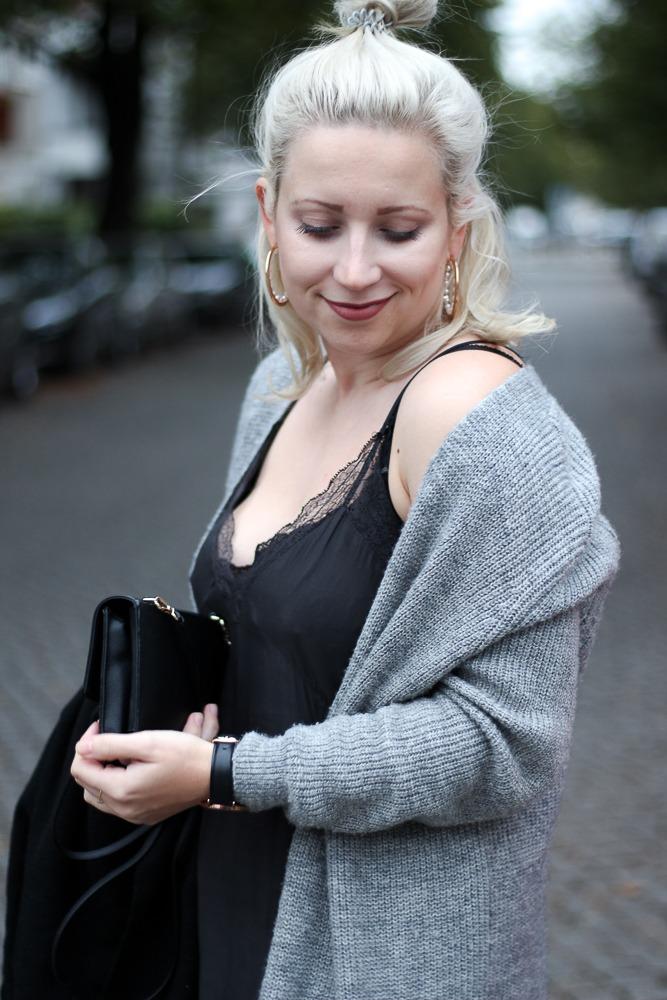 Slipdress-Silkdress-Blogger-Herbstlook-Outfit-Puppenzirkus7