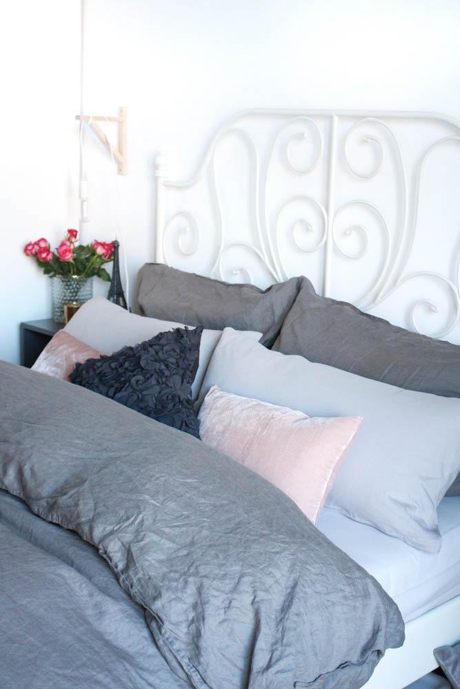 2-interior-scandinvian-cozy-bettwaesche-bed-style-schlafzimmer-puppenzirkus-blogger-einrichtung-interieur-bett-2