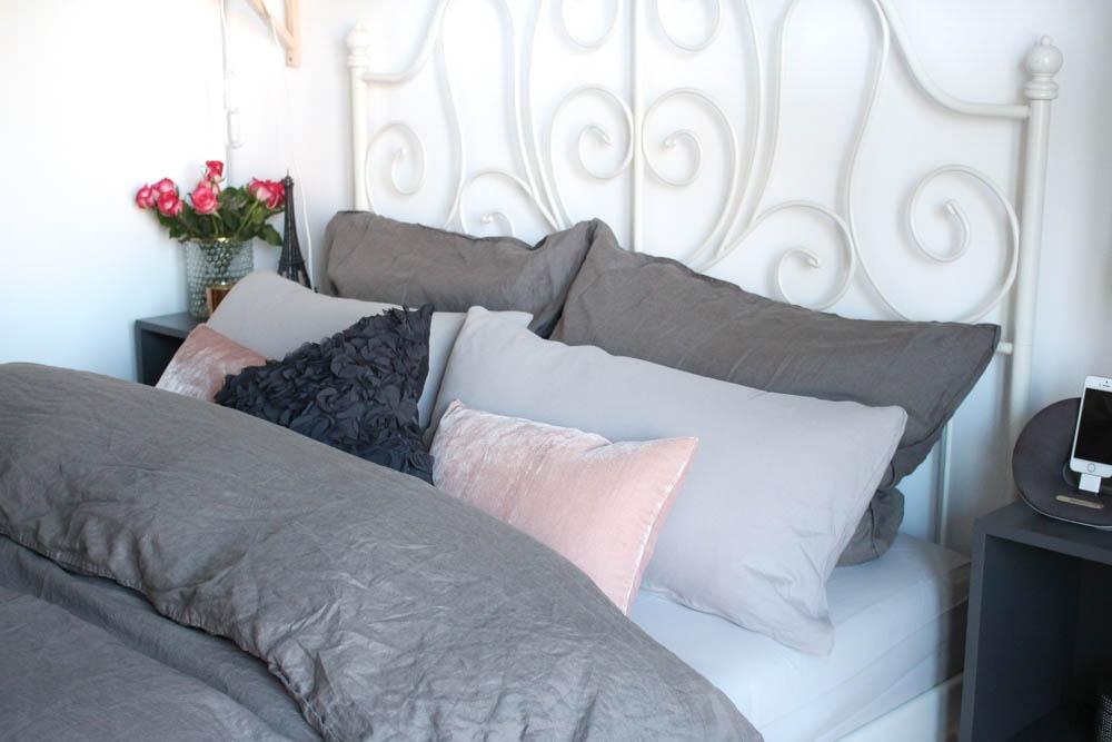 2-interior-scandinvian-cozy-bettwaesche-bed-style-schlafzimmer-puppenzirkus-blogger-einrichtung-interieur-bett