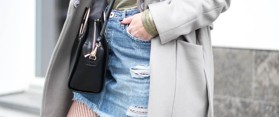 outfit-blogger-metallic-reebok-pearlized-grey-oversized-coat-sneaker-herbst-2016-trend-jeansrock-puppenzirkus-streetstyle-t1