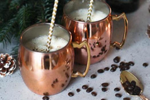 Adventskalender 19: Cremiger Weihnachtspunsch mit Kaffee und Zimt