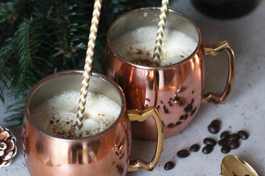 Cremiger Weihnachtspunsch mit Kaffee und Zimt